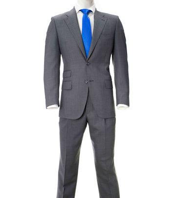traje-gris-oscuro