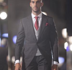 traje de novio gris 2017