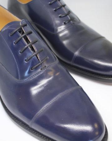 zapato cordones azul